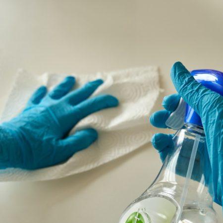 Lavoratori addetti alle pulizie e sanificazione per tutti i luoghi di lavoro